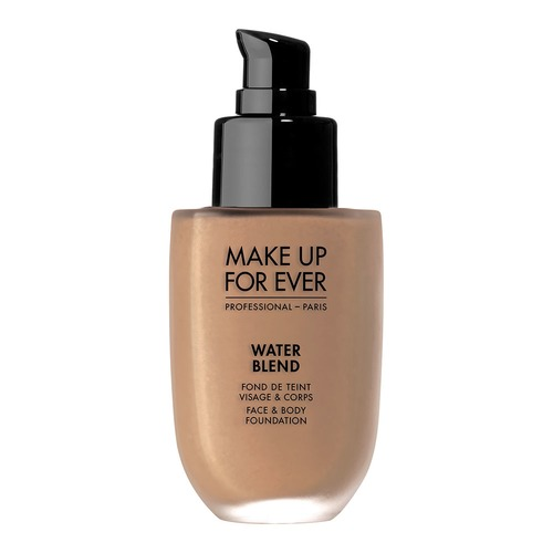 Closeup   mufe waterblendfoundation y445