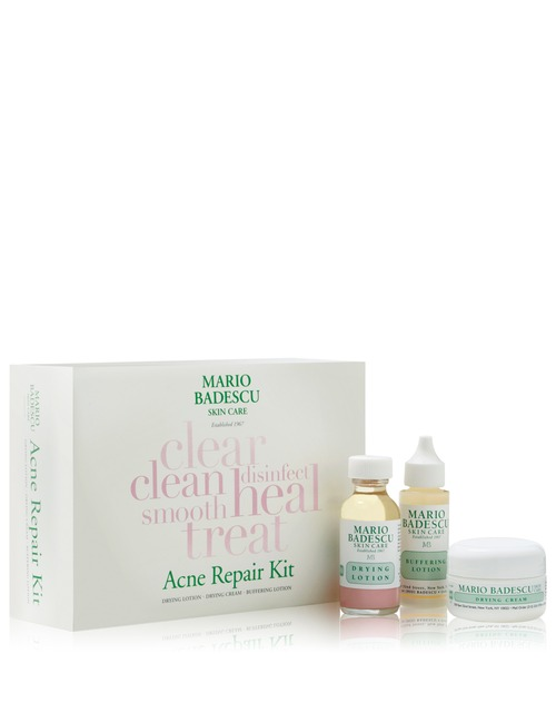 Closeup   acne.repairkit